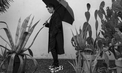 朱亚文杂志写真 于秋凉中呈现大片质感